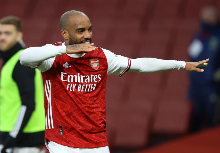 Arsenal explose le Slavia Prague, les favoris se qualifient !